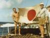 Besatzung der MS Hessenstein begrüßt Schwesterschiff MS Bayernstein auf dem Weg nach Japan